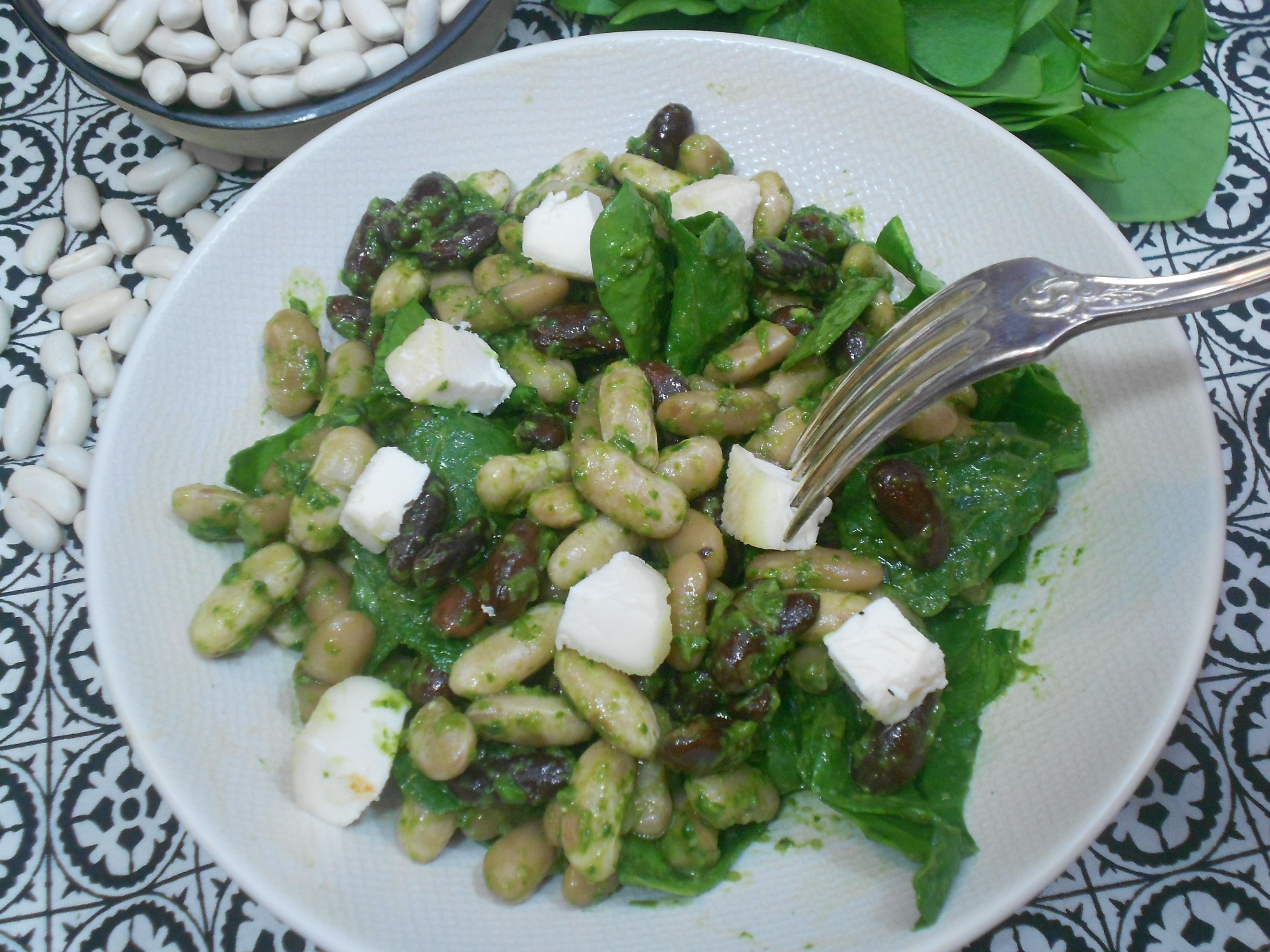 une salade équilibrée et nutritive