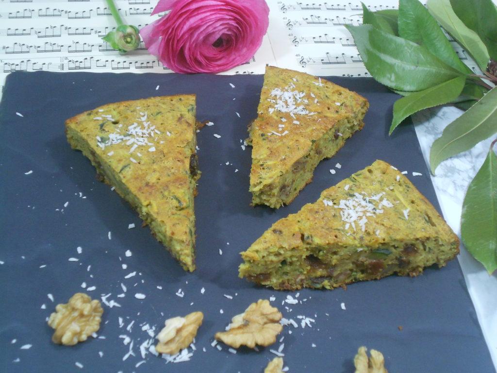 un gâteau sans gluten sans lactose à base de courgettes