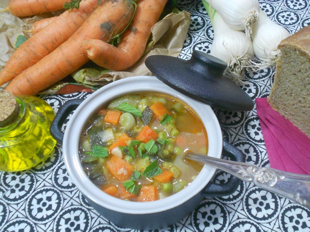 Soupe riche en légumes